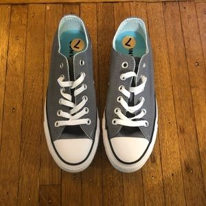 NWOT Converse Low Tops
